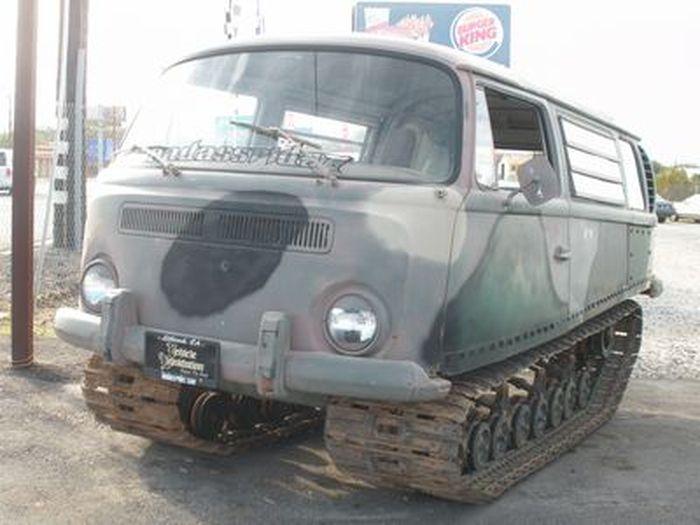 Volkswagen Van на гусеничном ходу (8 фото)
