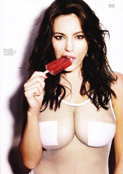 Келли Брук в соблазнительном бикини для журнала Esquire (9 Фото)