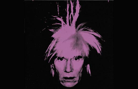Еще одна работа Уорхола, где он изображен в парике на черном фоне, ушла за 27,5 млн долларов.
