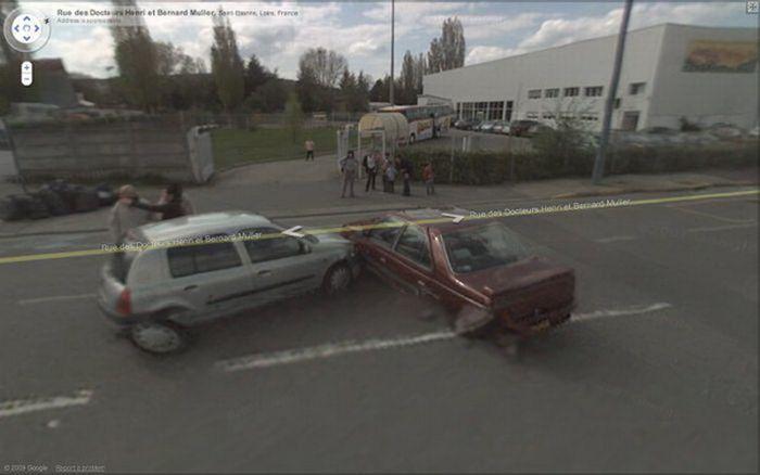 Снимки аварий с камер Google Street View (12 фото)