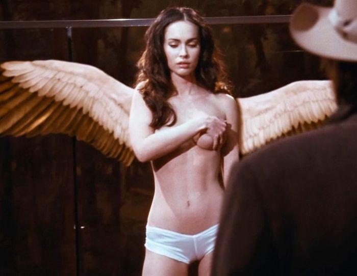 Топлесс ангел - Меган Фокс (6 Фото)