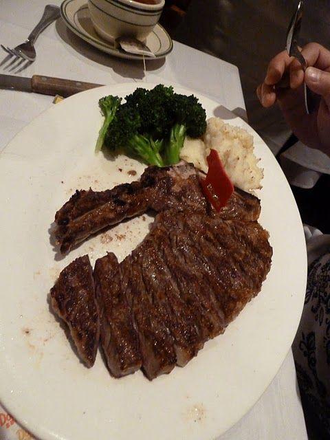 4. Стейк Рибай, нью-йоркский стейк в хорошем ресторане в Нью-Йорке или каком-либо другом крупном городе стоит в районе 35 долларов.
