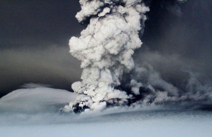 Извержение исландского вулкана Гримсвотн. Часть 2. (17 фото)