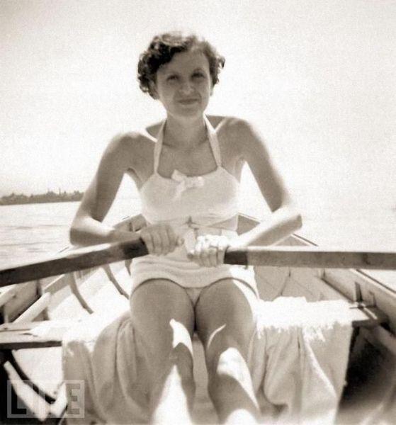 Фотографии из личного архива Евы Браун (30 фото)