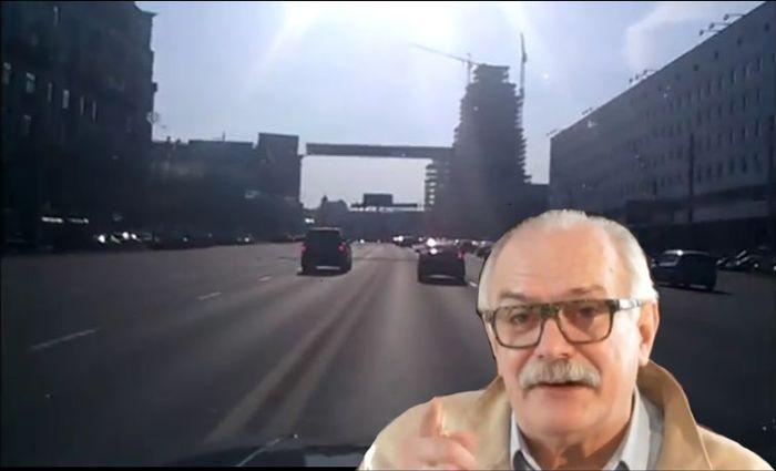Михалков без мигалки продолжает нарушать ПДД (видео)
