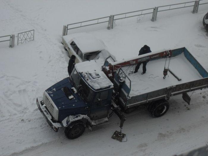 Кража машин в Пензе средь бела дня (3 фото)