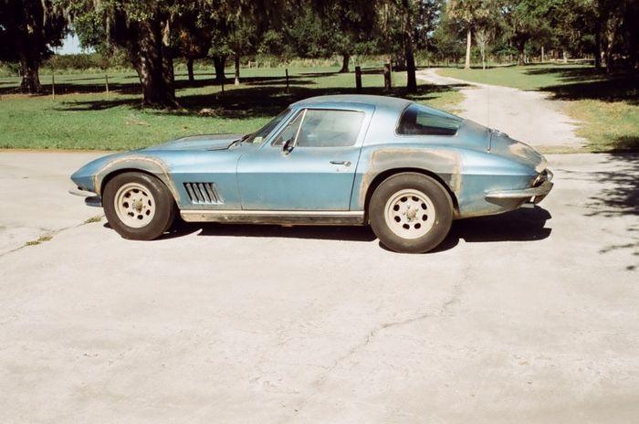 Chevrolet Corvette Neil Armstrong продают на аукционе (19 фото)