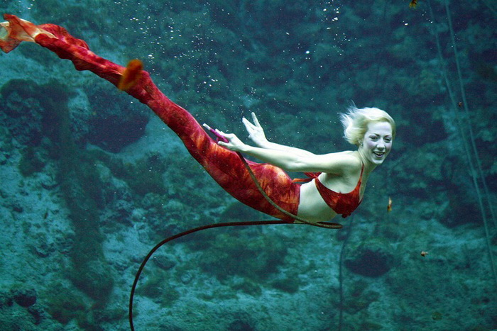 Парк развлечений Weeki Wachee Springs во Флориде: подводное шоу настоящих русалок (6 фото)