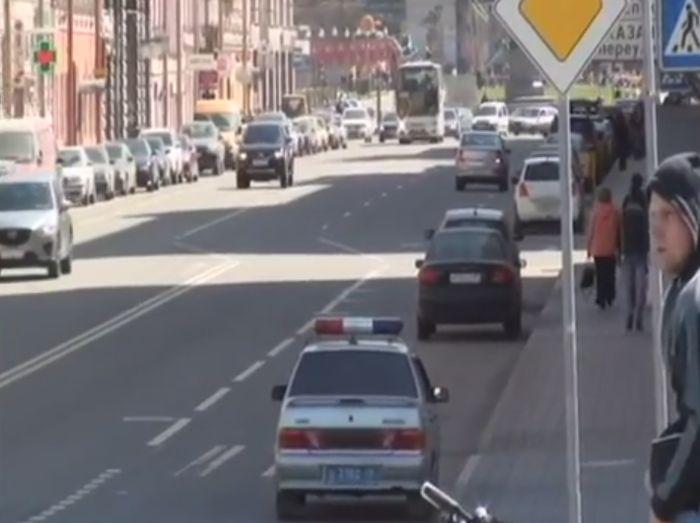Развод автолюбителей на ул.Гороховая в Санкт-Петербурге (видео)