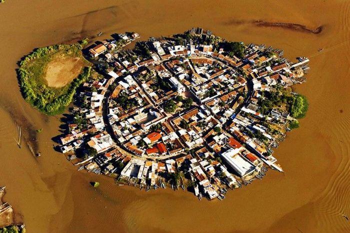 Мескальтитан – город на воде (12 фото)