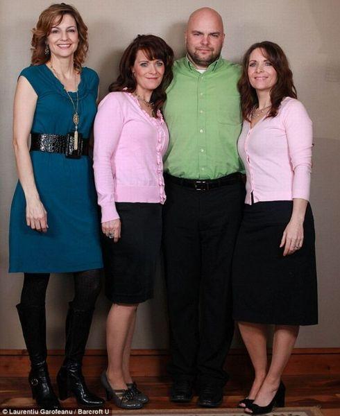 Мужик, женатый сразу на всех сестрах (2 фото)