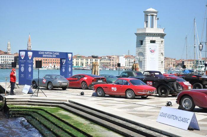 Пробег ретро-автомобилей Louis Vuitton Classic (54 фото)