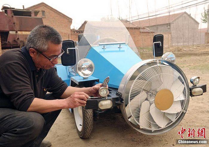 Самодельный электромобиль - вентилятор на колесах (4 фото+видео)