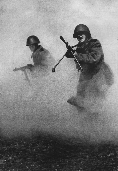 Колоризированные фотографии Сталинградской битвы 15 фото
