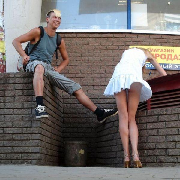 Русская девочка задрала свою юбку видео фото 432-621