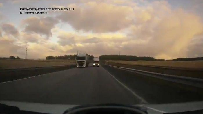 Авария дня часть 565 (5 фото+видео)