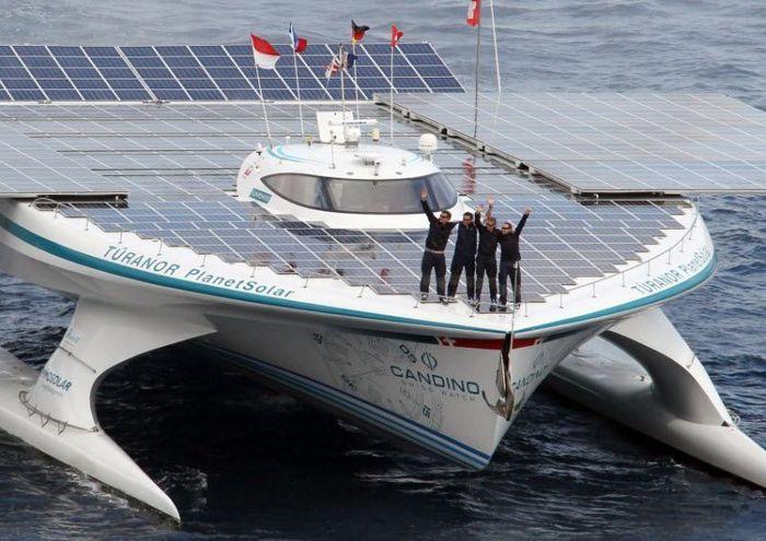 Первое кругосветное плавание на солнечных батареях (5 фото)