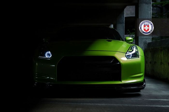 Nissan GTR Green Hulk Widebody от тюнеров из HRE Wheels (11 фото)