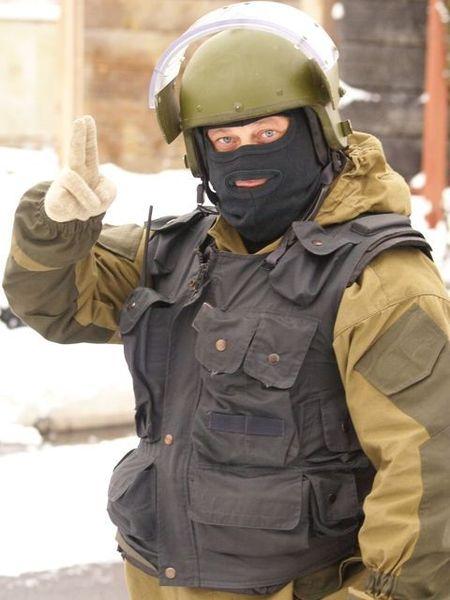 Тактические жесты спецназа (3 фото)