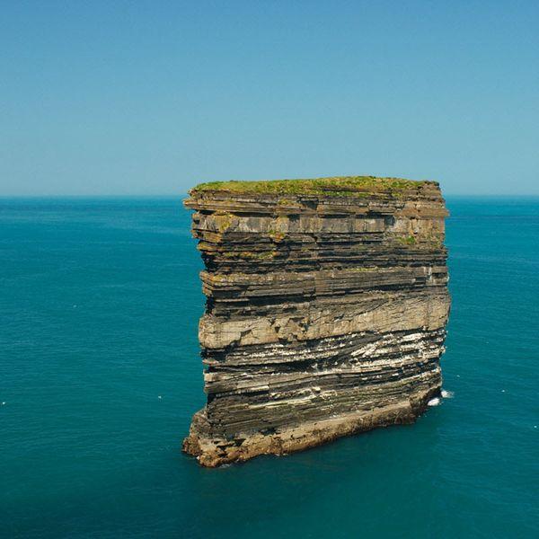 10 самых впечатляющих морских скал (27 фото)