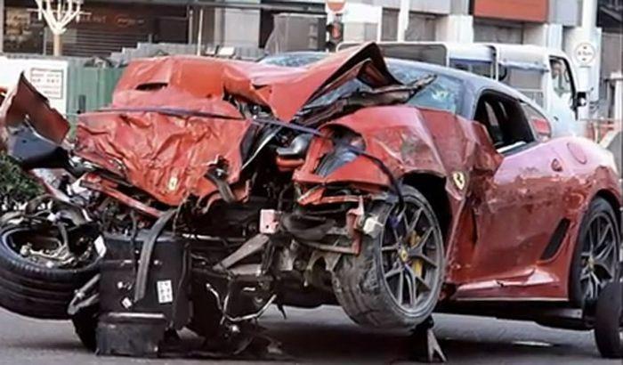 Серьезная авария с участием Ferrari 599 GTO унесла жизни трех человек (12 фото+2 видео)
