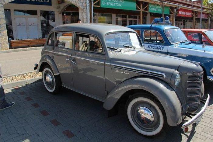 Съезд раритетных авто в Будапеште (79 фото)