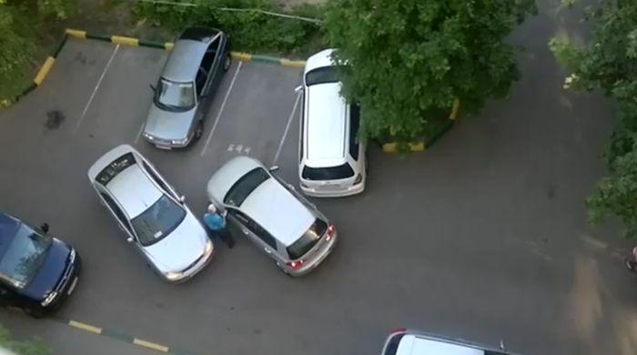 ТП во дворе устроила транспортный коллапс (видео)