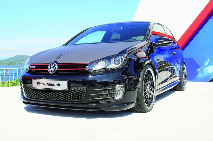Студенты построили свой Volkswagen Golf GTI Black Dynamic (15 фото)