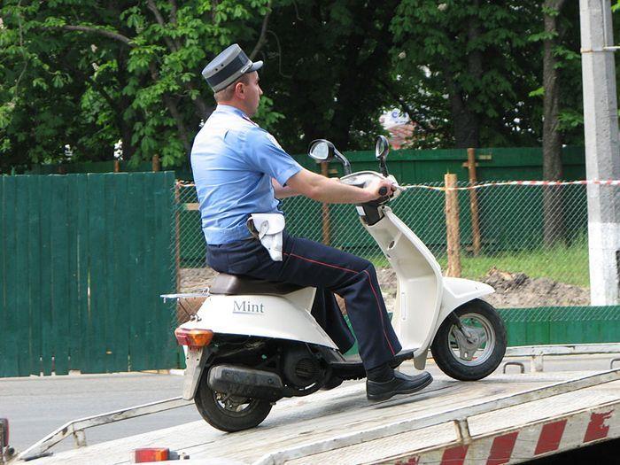 На скутеры и мопеды могут наложить дополнительные ограничения (текст)