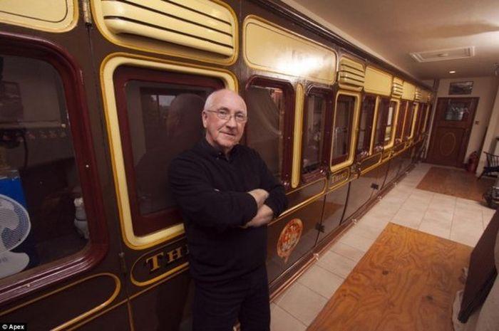Самый поездатый дом Англии (7 фото)
