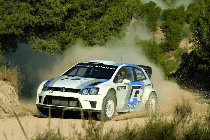 В компании Volkswagen представили горячую модель Polo WRC Street (21 фото)