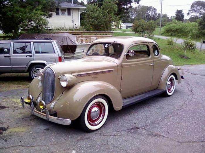 Восстановленный Plymouth 1938 г.в. прожил сутки... (3 фото)