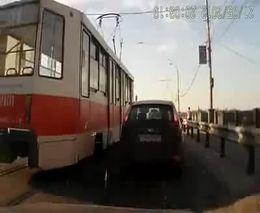 Трамвай задрифтил