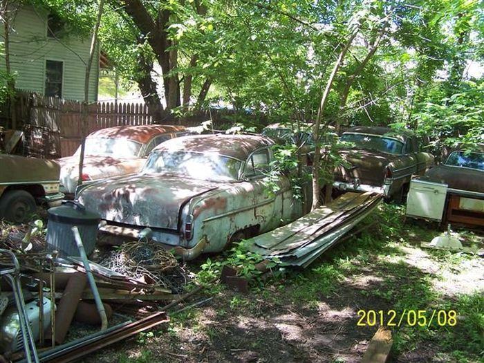 Распродажа коллекции раритетных Packard (12 фото)