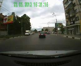 Неожиданный маневр от женщины водителя