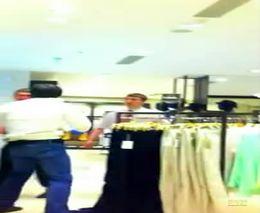 Драка в магазине одежды