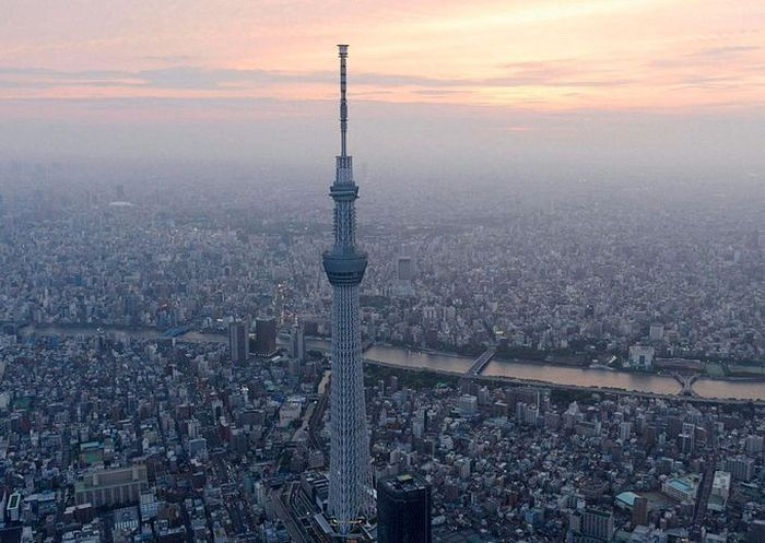 Самая высокая в мире телебашня открыта в Японии (18 фото)