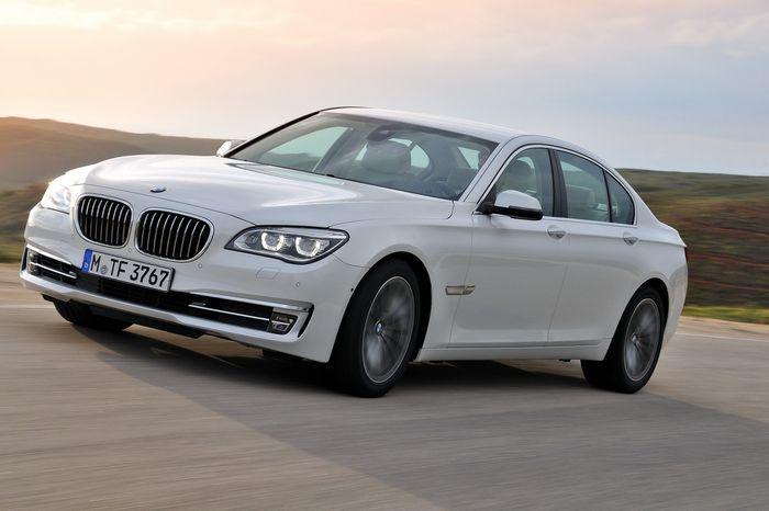 Компания BMW показала обновленную семерку (83 фото+4 видео)