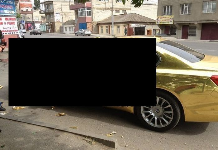 Золотую BMW проверили на вшивость (фото)