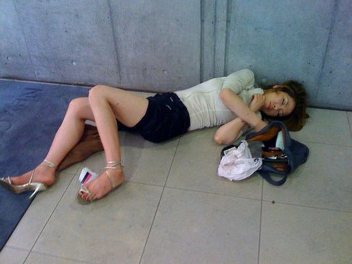 Сильно пьяная девушка — photo 9