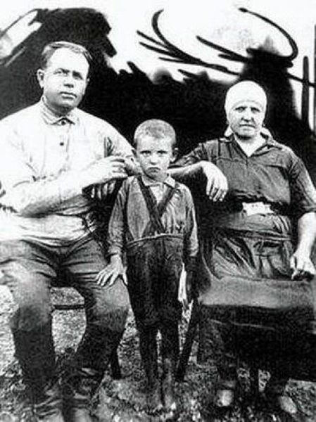 Политики тоже были детьми