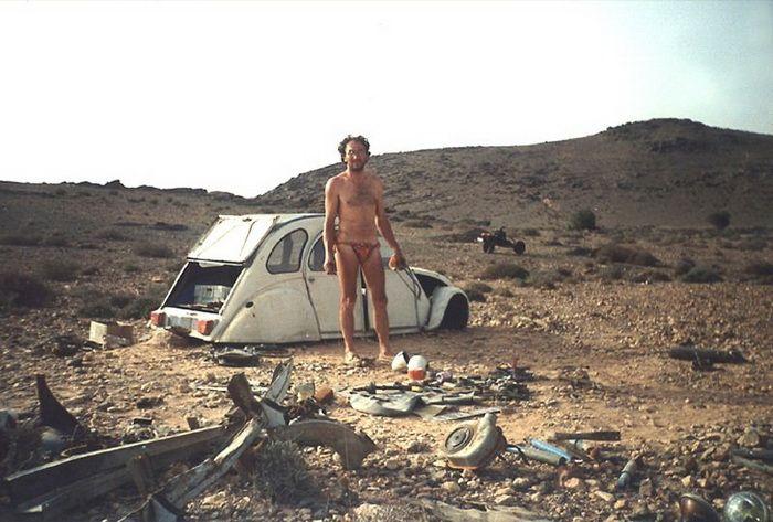 Представьте ситуацию: вы ехали по пустыне на автомобиле и он сломался... (7 фото+видео)