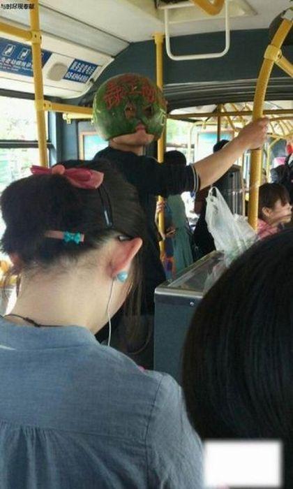 Отпадные фотки автобус, азиат, головной убор, прикол