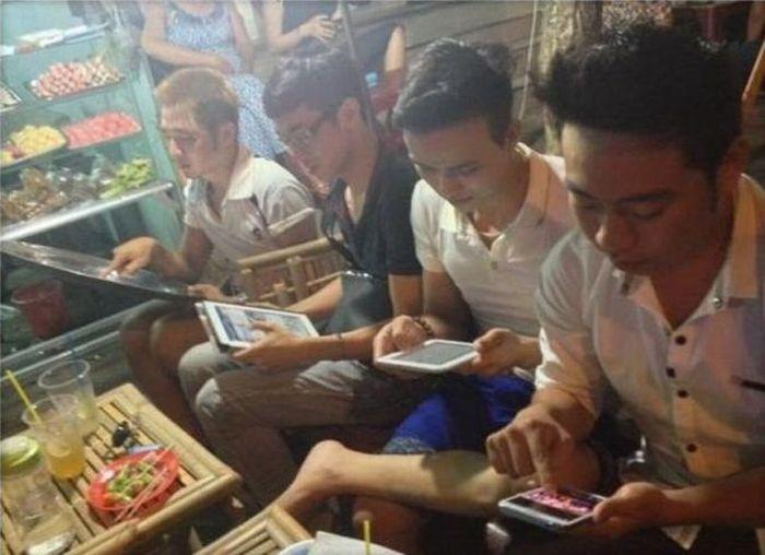 Бугагашеньки азиаты, планшет, прикол, сковорода