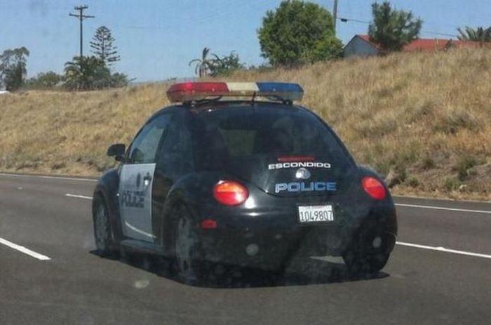 Прикол маленькая, полицейская машина, прикол