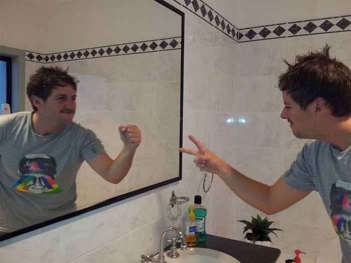 Фото зеркало, мужик, отражение, прикол