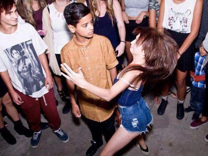 Фотоподборка выражение лица, девушка, прикол, танцует