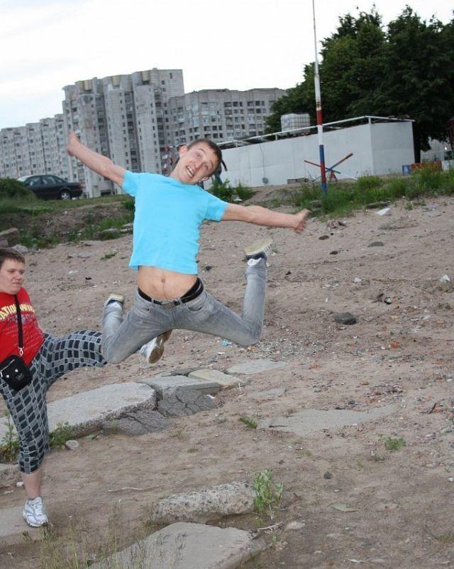 Новый фотоприкол пинок, прикол, прыжок, смешная фотография