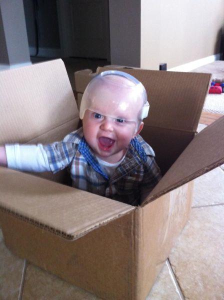 Шикарное фото в коробке, ребенок, шлем