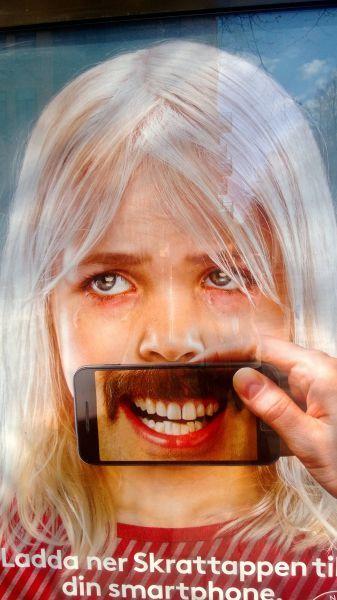 Фото зубы, реклама, смартфон, усы